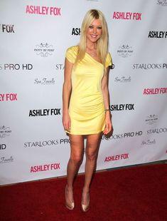 Tara Reid wypuszcza linię kosmetyków (FOTO) Post Pro, Tara Reid, American Pie, Star Girl, Stars, Tv, Girls, Simple Lines, Daughters