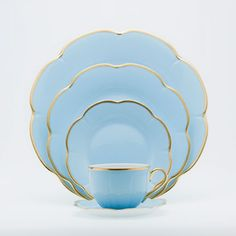 A classic pattern from Royal Limoges, Corolle Bleu Azure dinnerware is delicate shade of Azure blue. Bleu Pastel, Blue Dinnerware, Swarovski, Limoges, Fine Linens, Deco Table, China Patterns, Online Gifts, Fine China