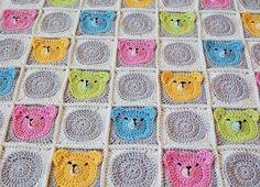 Yine güzel bir bebek battaniyesi modeli ile karşınızdayız. Daha önce ördek motifli bebek battaniyesi uygulaması yapmıştık. Şimdi ayı motifli battaniye yapı