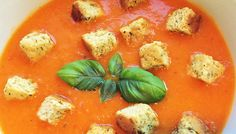 Roasted red pepper & tomato soup with garlic & herb croutons Weight Loss Eating Plan, Easy Weight Loss, Free Meal Plans, Lunch Menu, Roasted Red Peppers, Tomato Soup, Mediterranean Style, Everyday Food, Eating Plans