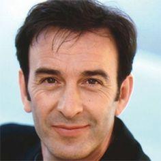 Daniel Robin-Renucci (1956). Il est né Au Creusot, son père est un forgeron corse. Passionné de théâtre, il suit les cours Dullin puis il est passé par le Conservatoire avec Antoine Vitez, et fera une très belle carrière au théâtre en jouant les plus...