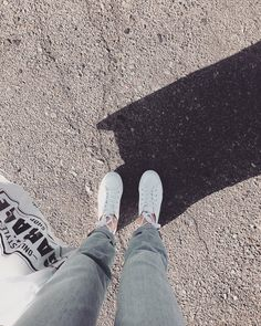 ◈ Pinterest : Ngọc Hoàng Đại Đế ✨ White Aesthetic, Aesthetic Grunge, Aesthetic Photo, Glitch Photo, Film Photography Tips, Disney Phone Wallpaper, Uzzlang Girl, Photos Tumblr, Cute Girl Photo