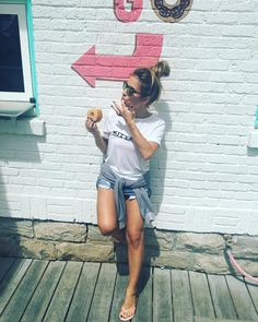 Jessie James Decker: Little Monday sweet treat Jessica James, Jessica Rose, Denim Shorts Style, Kendall Jenner Style, Kylie Jenner, Jenner Sisters, Celebs, Celebrities, Boho
