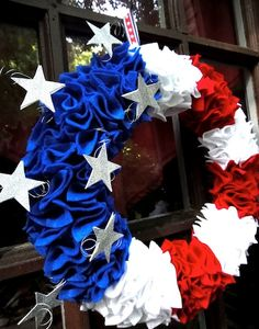 12 Patriotic DIY Fourth of July Wreaths