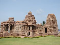 Mallikarjuna temple and at Pattadakal, Karnataka, South India, built successively by the kings of the Chalukya Empire and Rashtrakuta Empire is a UNESCO World Heritage Site Temple India, Hindu Temple, Chalukya Dynasty, Indian Temple Architecture, Temple Ruins, Asia, Amazing India, Tourist Sites, Architecture