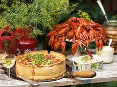 How To - Crayfish Party - ScandiKitchen Crawfish Party, Swedish Traditions, Holidays And Events, Birthday Celebration, Seafood, Delish, Food And Drink, Dining, Tips