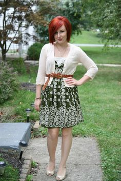Green and white dress with cardigan, belt, heels Sweater Over Dress, Cardigan Sweaters, Red Hair Outfits, Autumn Winter Fashion, Fall Fashion, Winter Style, Fashion Ideas, Stylish Outfits, Cute Outfits