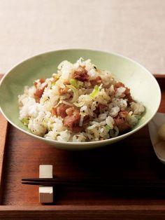 【ELLE a table】かりかり豚バラ肉と塩ねぎの混ぜごはんレシピ|エル・オンライン