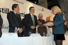 Ebrard entrega premio Heberto Castillo en ciencia y tecnolog�a
