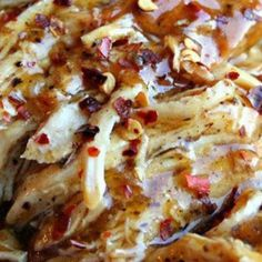 Crock Pot Sweet Garlic Chicken - easy and tasty chicken recipe! a must try & must pinch! YUM!