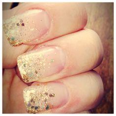 gold fade nails!