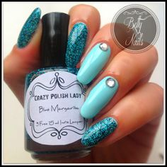How are you today? Here in Portugal the weather is terrible again! Today I have a nailart I have done with. Blue Margarita, Nail Polish Brands, Betta, Nail Art, Lady, Nails, Caption, Culture, Cosmetics