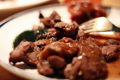 Κατσίκι στο φούρνο λεμονάτο Greek Recipes, Easter, Beef, Food, Greek Food Recipes, Meals, Yemek, Steak, Eten