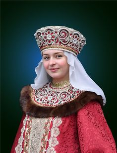 Gorgeous recreation of folk costume. Medieval Costume, Folk Costume, Costumes, Russian Beauty, Russian Fashion, Historical Costume, Historical Clothing, Costume Russe, Russian Culture