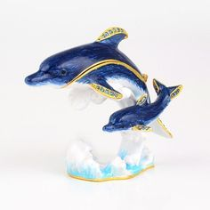 """#Dolphins In Water Trinket Box Item No. KB00370A01 $32.89 This pewter base trinket box features a pair of dark blue dolphins on water. They are delicately decorated with light blue Austrian crystals and are gold plated. This #Faberge style trinket box comes from Russia and makes an excellent display piece for the home."""" Red Eyed Frog, Happy Panda, Funny Frogs, Golden Fish, Turtle Gifts, Tree Frogs, Candyland, Panda Bear, Trinket Boxes"""