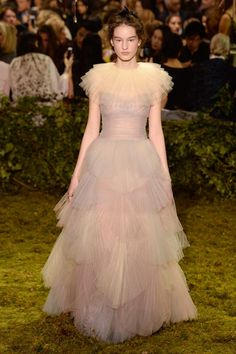 Christian Dior Spring 2017 Couture Fashion Show