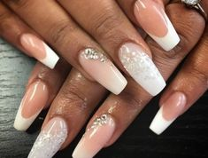 manucure-mariage-ongles-longs-babyboomer-french-effet-enneige-cristaux