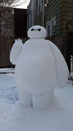 """""""I am Snow Baymax. Your personal health care companion. On a scale of 1 - 10, how would you rate your pain?"""" I guess this Baymax can't heat up like a warm marshmellow."""