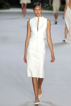 Akris Spring 2013 Ready-to-Wear Fashion Show - Emeline Ghesquiere (SILENT)