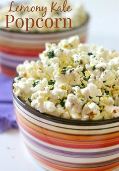 Making homemade gourmet popcorn is as easy as buying it. Whip up one of these delicious (and healthy) popcorn recipes that will satisfy any sweet, savory, or spicy snack craving. Low Calorie Popcorn, Healthy Popcorn, Popcorn Snacks, Gourmet Popcorn, Salty Snacks, Popcorn Recipes, Snack Recipes, Healthy Recipes, Side Dishes