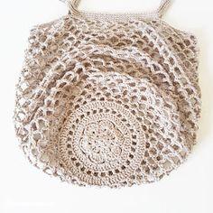 Market Bag pattern by Camilla N. Skjoenhaug -Rustic Market Bag pattern by Camilla N. Skjoenhaug - Ravelry: Rustic Market Bag by Camilla N. Skjoenhaug Vintage-style Pack-away Mesh Bag Crochet pattern by Little Conkers Crochet Market Bag, Crochet Tote, Crochet Handbags, Crochet Purses, Filet Crochet, Knit Crochet, Double Crochet, Single Crochet, Crochet Summer