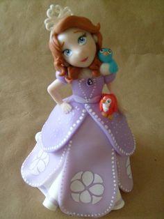Adorno Para Torta En Porcelana Fría Princesa Sofia - $ 150,00