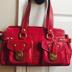 Coach ️handbag   Coach Pink handbag  . In great condition. Size 8H x 14L x 5W. Coach Bags