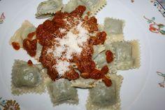 ravioli alla genovese / ravioli with meat and vegetables