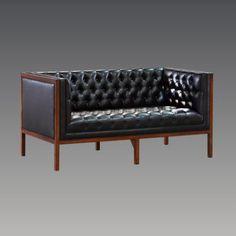 Art Déco-Serie AMSTERDAM aus Mahagoni - ein Klassiker. Ideal für Hotels, Restaurants, Lounges. http://www.deSaive-deSign.de/Couch-Amsterdam-Zweisitzer…