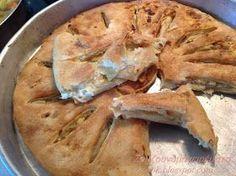 Είναι τόσο απλή και εύκολη, τη λέω τεμπελόπιτα και θα καταλάβετε γιατί!!!! Τόσο εύκολη πίτα, για τη νοστιμιά της δεν υπάρχει, ... Cookbook Recipes, Cake Recipes, Cooking Recipes, Pizza Tarts, Greek Pastries, Cheese Pies, Greek Recipes, Pain, I Foods