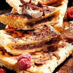 Love to fire up your braai every chance you get? These recipes will ensure you leave no package of puff pastry unopened. Braai Recipes, Pie Recipes, Dessert Recipes, Desserts, Braai Pie, How To Cook Polenta, Steak And Mushrooms, South African Recipes, Spinach And Cheese