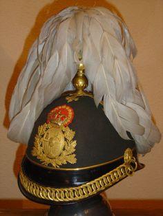 Casco de General 1881. Época Alfonso XII. Llorón de plumas