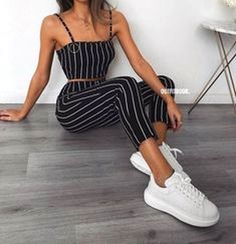 Chic and casual outfits 2019 charming, spring summer outfits ideas nice gorgeous teen fashion outfits Mode Outfits, Girl Outfits, Fashion Outfits, Fashion Styles, Fashion Trends, Style Fashion, Feminine Fashion, Fashion Mode, Disco Outfits