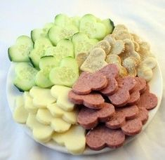 Sugar-Free Valentine Snacks Cucumbers, Cheese, Summer Sausage Crackers (recipe from: www.thekitchn.com)