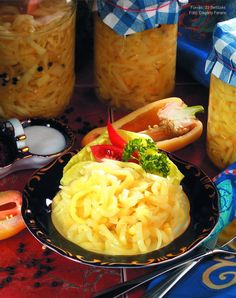 Paprikasaláta télire Dairy, Cheese, Ethnic Recipes, Food, Red Peppers, Essen, Meals, Yemek, Eten