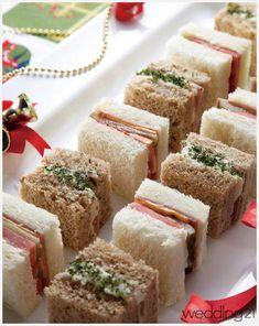 [월간 웨딩21 편집팀]연인과 함께 오붓한 파티를 즐기는 데 요리가 빠질 수 없는 법. 보기에 예쁘고, 만들기 쉽고, 가볍게 와인 한 잔을 하기에도 그만인 특별한 요리를 소개한다.Mini Sandwich 미니 샌드위치(8조각 기준)부드러운 감자 샐러드와 고소한 햄 & 치즈, 신선한 토마토 슬라이스와 피클이 조화를 이룬다. 식빵의 종류와 들어가는 Korean Rice Cake, Kawaii Bento, Rice Cakes, Vanilla Cake, Catering, Sandwiches, Healthy Recipes, Healthy Food, Food And Drink