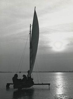 """"""" Ice sailing """" Loosdrechtse Plassen Holland, about 1954-1959. photo: Kees Scherer"""