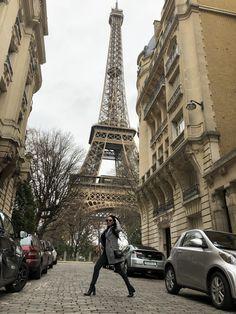 7th arondisement Eiffel Tower shot #eiffeltower #toureiffel Dior Paper Christmas Tree Window Decoration #Dior #parisfashion #diorparis #diorchristmastree #diorama #myphotography #myphoto #fashion #travel #wanderlust #iloveparis #fashionphotography #neginmirsalehi #winterfashion #winteroutfits #parisstyle Paris Fashion, Winter Fashion, Negin Mirsalehi, I Love Paris, Tour Eiffel, Diorama, Winter Outfits, My Photos, Fashion Photography
