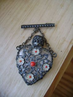 *Vintage flowery filigree perfume bottle brooch