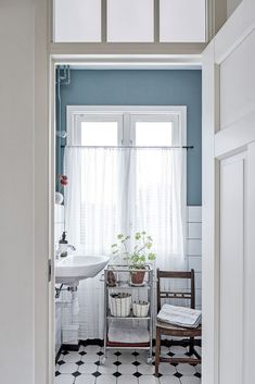 Quirky Home Decor, Easy Home Decor, Home Decor Styles, Cheap Home Decor, Home Decor Accessories, Luxury Homes Interior, Home Interior Design, Kitchen Bar Decor, Japanese Home Decor