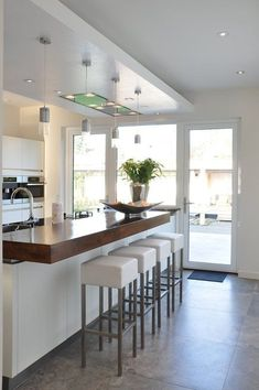 Painting Kitchen Cabinets, Kitchen Paint, Classic Kitchen, Interior Design Boards, Contemporary Kitchen Design, Küchen Design, Home Decor Trends, Kitchen Styling, Kitchen Interior