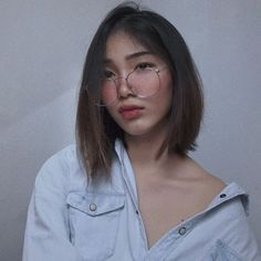 """and this piece is called """"What Up, I'm Dana, I'm And I Never Learned How To Read"""" (aka i took too many photos that day so pls bear wt… Au Ideas, Selfie Poses, Selfies, Learn To Read, Ulzzang Girl, Aesthetic Girl, Pretty People, Hair Cuts, Hair Color"""