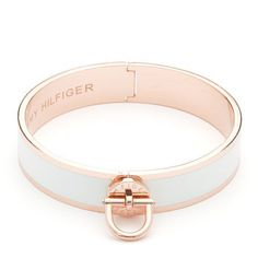 Hot trend this season: rose gold. Stand out with this rose gold-toned bangle with white enamel inset. Eye-catching twist lock with Tommy Hilfiger logo embossed at the front, delicate hinge at the back for easy on and off. Logo lettering inside the bangle. The Bangles, Bling Bling, Tommy Hilfiger, Other Accessories, Jewelry Accessories, Jewelry Design, Jewelry Box, Jewelry Watches, Colorful Bracelets