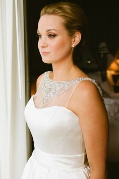 Crystal Embroidered Bridal Gown + classic gold wedding theme for make up Gold Wedding Theme, Wedding Suits, Wedding Ideas, Wedding Stuff, Wedding Blog, Retro Wedding Dresses, Bridal Dresses, Perfect Bride, Designer Wedding Gowns