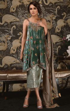 Shop for Tena Durrani's Pakistani formal dresses and formal wear for women, all having exclusive designs to redefine your beauty at your big occasion. Shadi Dresses, Pakistani Formal Dresses, Pakistani Wedding Outfits, Indian Dresses, Indian Outfits, Velvet Dress Designs, Lehenga, Anarkali, Moda Formal