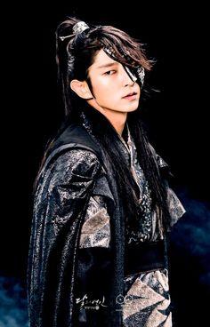 """Lee Joon Gu as 4th Prince in """"Scarlet Heart Ryeo"""""""