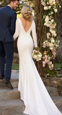 Long sleeves wedding dress - Essense of Australia Style Simple mermaid wedding dress with plunging v-neckline deep v open back and long sleeves for the winter bride inspired by Meghan Markle See more gorgeous bridal gowns by clicking on the photo Simple Wedding Dress With Sleeves, Long Sleeve Wedding, Gorgeous Wedding Dress, Glamorous Wedding, Long Wedding Dresses, Gown Wedding, Lace Wedding, Wedding Cakes, Wedding Rings