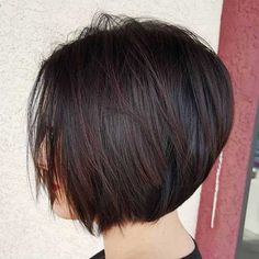 60 Layered Bob Styles: Modern Haircuts with Layers for Any Occasion Chin-Length Brown Layered Bob Graduated Bob Hairstyles, Modern Bob Hairstyles, Layered Bob Hairstyles, Hairstyles Haircuts, Straight Hairstyles, Short Graduated Bob, Graduated Haircut, Formal Hairstyles, Trendy Haircuts