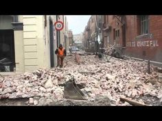 EXCLUSIVE FOOTAGE - A Earthquake hits Christchurch, New Zealand, 181 people died. New Zealand Earthquake, Earthquake Damage, New Zealand Cities, Broken City, Christchurch New Zealand, City Office, 2nd City, Close To Home