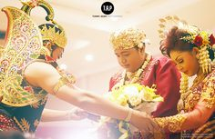 Indonesia Wedding Gallery for Wedding Photo Project #prewedd #wedding #love #faith #engagement #traditional #javanese #surabayaphotographer #baliphotographer #jakartaphotographer #indonesiaphotographer #singaporephotographer #makeup #beauty #fashion #indonesia #indonesiawedding #indonesiaweddingvendor #weddingphotography #best #gown #classy #pernikahan #surabaya #tommyadamphotography